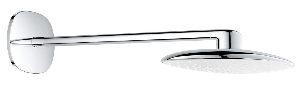 Верхний душ Grohe Rainshower. 26450LS026450LS0GROHE Rainshower 360 MONO - роскошный набор верхнего душа. Побалуйте себя идеальным принятием душа вместе с верхним душем GROHE Rainshower XXL, созданным в овальной форме и со стильной душевой поверхностью в цвете белая луна. Благодаря технологии GROHE DreamSpray и комфортабельному размеру душа в 360 мм, душ окунет ваше тело в потрясающий водный поток. Во время первичной установки, вы можете выбрать между двумя режимами струи: расслабляющий режим PureRain и наполненный пузырьками воздуха GROHE Rain O2. Выполненный в блистательной хромовой поверхности GROHE StarLight, душ потрясающе выглядит и легко чистится. Душевую поверхность можно снять, а благодаря технологии SpeedClean известь на душевых форсунках никогда не будет проблемой. Набор включает душевой кронштейн высокого класса (длина 422 мм, хромовая поверхность). Rainshower MONO: современное совершенство душа, созданное в Германии.