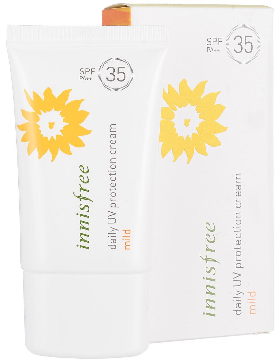 Innisfree Мягкий солнцезащитный крем, SPF 35 pa++, 50 мл590810Легкий освежающий санблок на водной основе с нежной текстурой увлажняющей эмульсии.Входящие в состав 100% минеральные фильтры надежно защищают кожу от лучей UVA- и UVB- типов (SPF35/PA++).Экстракты портулака и центеллы азиатской эффективно смягчают и успокаивают кожу, подвергающуюся воздействию солнечного излучения и негативных факторов внешней среды, и повышают защитные функции кожи.Биосахарид GUM-1 создает на поверхности кожи специальный защитный барьер, который препятствует потери влаги.Органическое масло семян подсолнечника и растительный Green Complex из экстрактов зеленого чая, камелии, мандаринов, орхидеи и опунции защищают от ультрафиолета, смягчают и успокаивают кожу.Идеален для использования на каждый день.Санблок не содержит минеральное масло, продукты животного происхождения, тальк, искусственные красители и ароматизаторы.