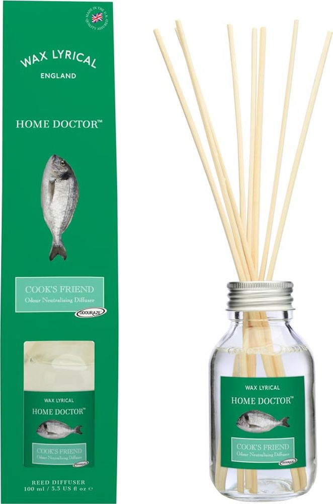 Ароматический диффузор Wax Lyrical Домашний доктор Для кухни, 100 млHD1302Диффузор против запаха на кухне аромат. Готовьте с удовольствием, а разобраться с неприятными запахами на кухне предоставьте Домашнему Доктору! Эффект достигается благодаря уникальной сертифицированной технологии Odouraze, которая выявляет молекулы неприятного запаха, обволакивает их своими частицами и полностью уничтожает, а пространство наполняется приятным свежим ароматом.