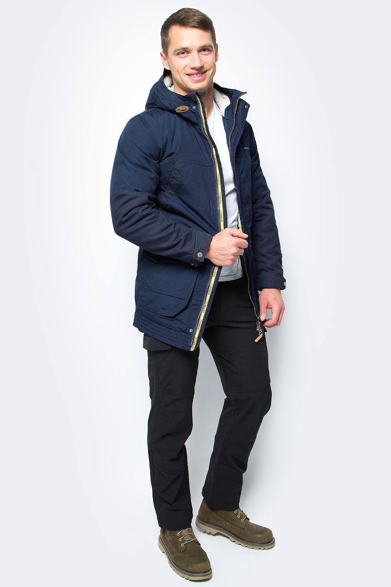 Парка мужская Merrell Elymais, цвет: темно-синий. A18AMRJAM06-Z4. Размер 54A18AMRJAM06-Z4Утепленная мужская куртка Merrell Elymais - это отличный вариант для путешествий и долгих прогулок. Модель прямого кроя с капюшоном и воротником-стойкой, защищающими от продувания, изготовлена из высококачественного материала по технологии M Select Shield, которая защищает ткань от воды и грязи. Куртка застегивается на молнию с ветрозащитной планкой на кнопках и липучках и дополнена 4 карманами. Имеется внутренняя регулируемая утяжка по талии. Капюшон защитит от ветра и осадков, а регулируемые манжеты помогут сохранить тепло.Рекомендуемый температурный режим для данной модели до -10°С, исходя из расчета на среднюю физическую активность - ходьбу 4 км/ч.