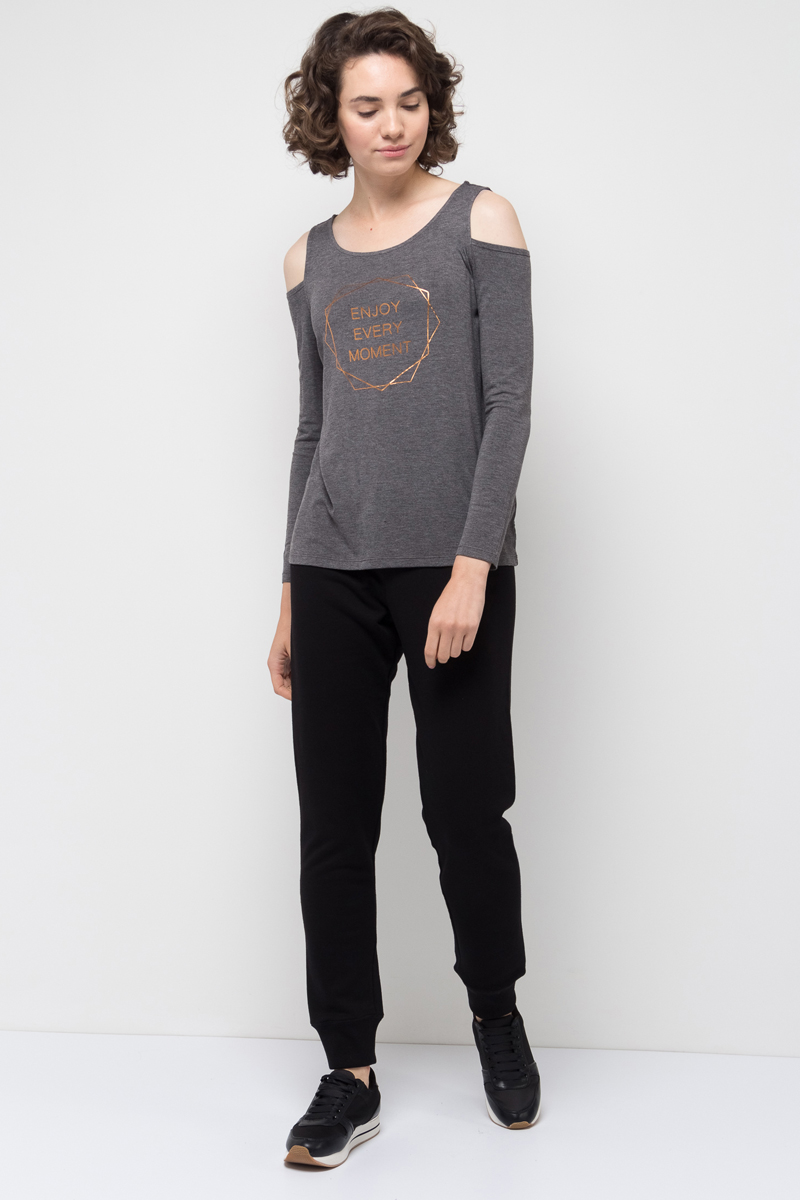 Брюки спортивные женские Sela, цвет: черный. Pk-115/853-7351. Размер XL (50)Pk-115/853-7351Спортивные брюки от Sela выполнены из хлопкового трикотажа. Модель на талии дополнена эластичной резинкой и затягивающимся шнурком. По низу брючины дополнены широкими трикотажными манжетами.
