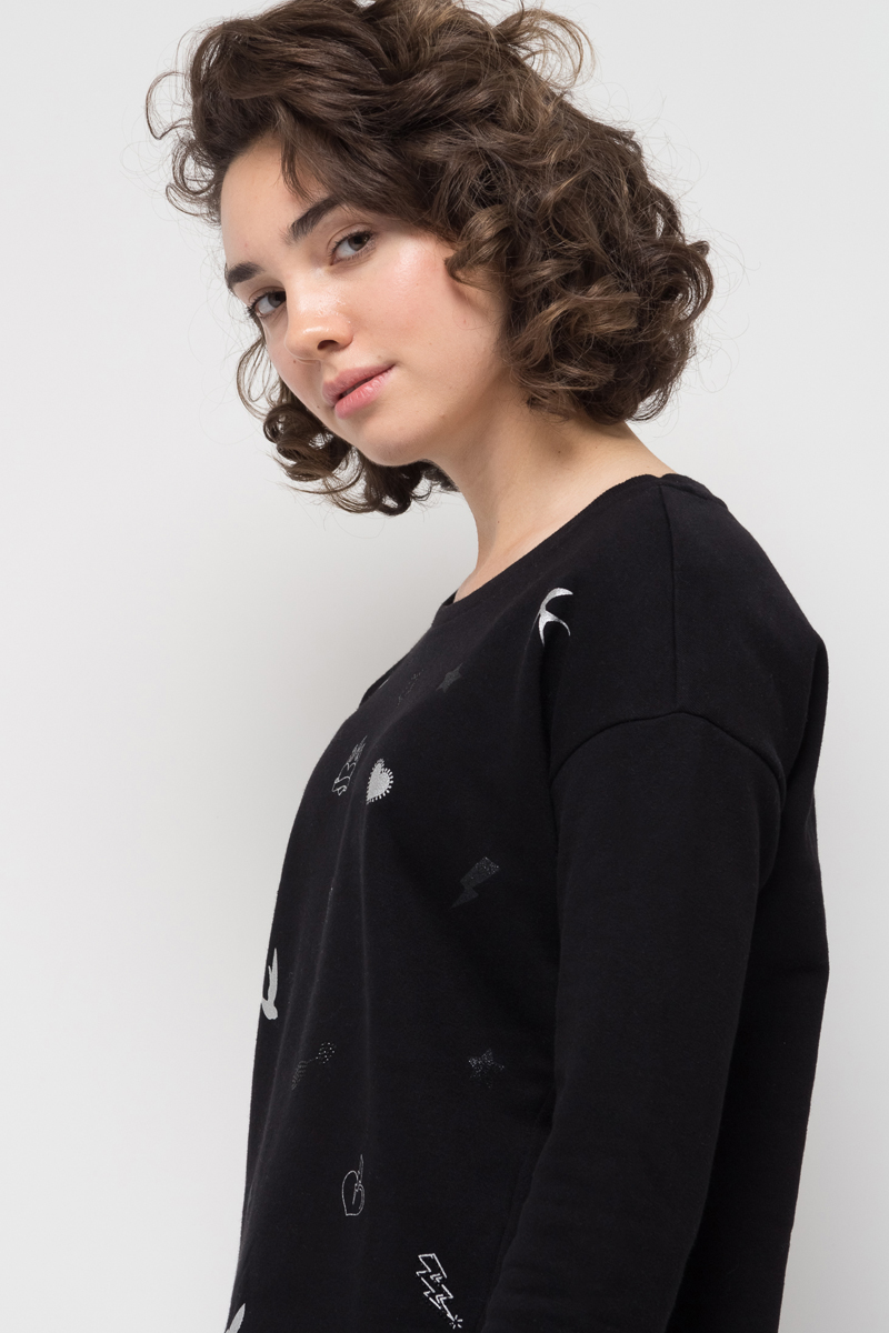 Свитшот женский Sela, цвет: черный. St-313/1028-7412. Размер L (48)St-313/1028-7412Женский свитшот от Sela выполнен из хлопкового трикотажа. Модель с круглым вырезом горловины и длинными рукавами.