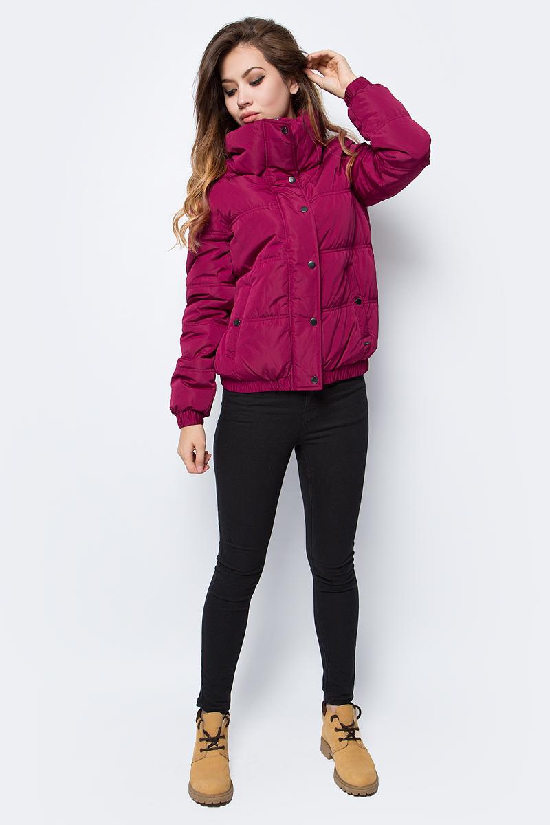 Куртка женская Tom Tailor, цвет: бордовый. 3555012.00.71_4545. Размер M (46)3555012.00.71_4545Куртка женская Tom Tailor выполнена из натурального полиэстера. Модель с длинными рукавами застегивается на кнопки и молнию.