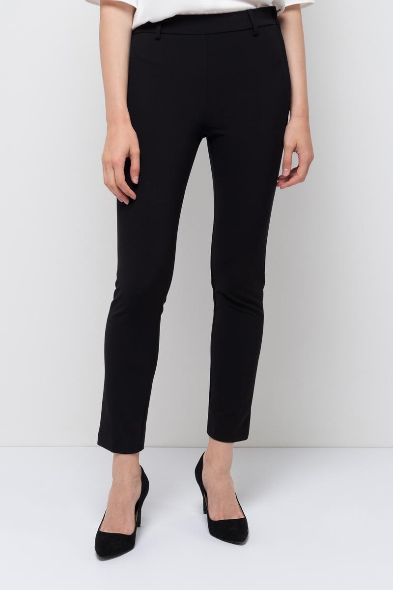 Брюки женские Sela, цвет: черный. P-115/857-7321. Размер 46P-115/857-7321Женские брюки от Sela выполнены из эластичного трикотажа. Укороченная модель зауженного кроя сбоку застегивается на потайную застежку-молнию. Эластичный пояс дополнен шлевками для ремня. Сзади имеются карманы-обманки.