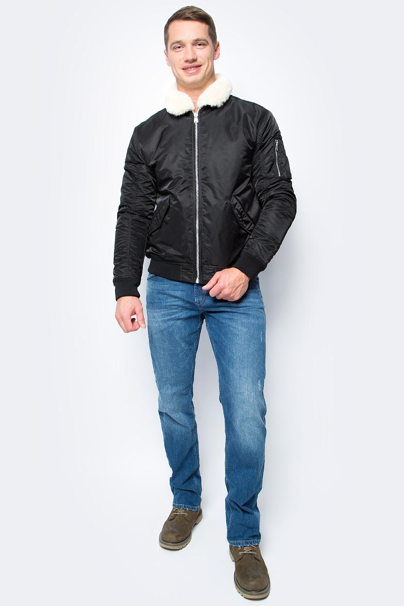 Куртка мужская Jack & Jones, цвет: черный. 12127808_Black. Размер XXL (54)12127808_BlackМужская куртка Jack & Jones выполнена из высококачественного материала. Модель с меховым воротником застегивается на застежку-молнию. Рукава и низ модель дополнены трикотажными вставками.