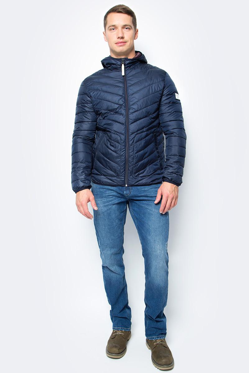 Куртка мужская Tom Tailor, цвет: синий. 3555057.00.12_6576. Размер M (48)3555057.00.12_6576Мужская куртка Tom Tailor изготовлена из полиэстера. Подкладка выполнена из полиэстера. В качестве утеплителя используется синтепон. Куртка с капюшоном застегивается на застежку-молнию. Изделие дополнено спереди двумя прорезными карманами на застежках-молниях. Низ модели и рукава дополнены эластичной резинкой.