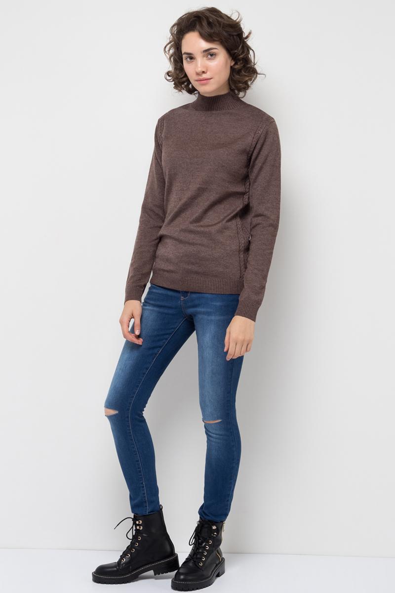 Брюки женские Sela, цвет: синий джинс. PJ-135/064-7361. Размер 26-32 (42-32)PJ-135/064-7361Женские джинсы от Sela выполнены из эластичного хлопка. Модель Skinny средней посадки в талии застегивается на пуговицу, имеются шлевки для ремня и ширинка на застежке-молнии. Джинсы имеют классический пятикарманный крой. На коленях джинсы оформлены декоративными прорезями.