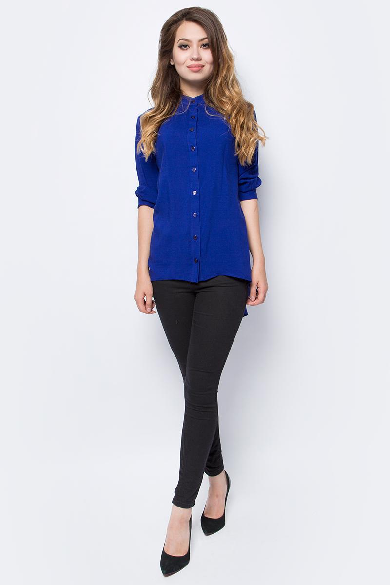 Блузка женская La Via Estelar, цвет: синий. 33946-1. Размер 4233946-1Лаконичная блузка La Via Estelar выполнена из хлопка с добавлением вискозы. Модель с удлиненной спинкой и рукавами 3/4 спереди застегивается на пуговицы. Такая блузка займет достойное место в вашем гардеробе.