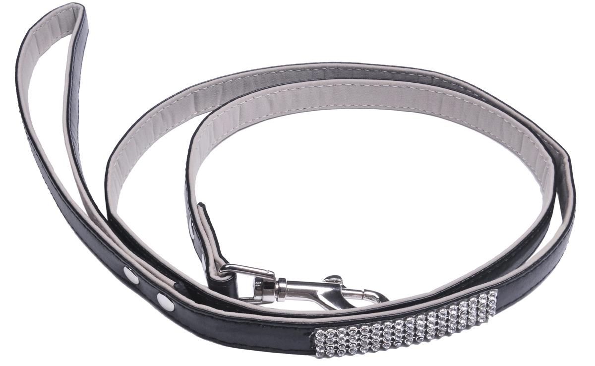 Шлейка для собак GLG Silver, цвет: черный, 1,5 х 120 смAM-DC095/FШлейка для собак GLG Silver изготовлена из искусственной кожи. Клеевой слой, сверхпрочные нити, крепкие металлические элементы делают изделие надежным и долговечным. Шлейка отличается высоким качеством, удобством и универсальностью.Имеется металлический карабин для крепления ошейника. Ваша собака тоже хочет выглядеть стильно! Модная шлейка, декорированная стразами, станет для питомца отличным украшением и выделит его среди остальных животных. Длина: 120 см. Ширина: 1,5 см.