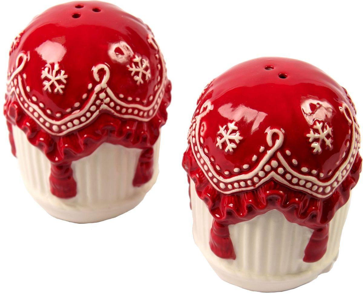 Набор для специй Magic Time Уют, 2 предмета75891Набор для специй - перечница и солонка Уют от Magic Time - это новогоднее украшение для стола, которое приносит ощущение праздника и волшебства в дом, создает атмосферу радости и веселья. Набор для специй изготовлен из высококачественной керамики и прекрасно подходит для сервировки. Такая посуда станет отличным подарком для ваших друзей и близких.