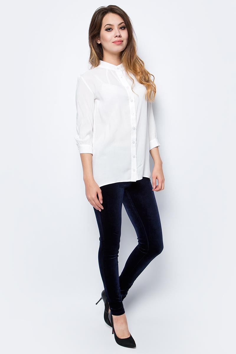 Блузка женская La Via Estelar, цвет: белый. 33946. Размер 4633946Лаконичная блузка La Via Estelar выполнена из хлопка с добавлением вискозы. Модель с удлиненной спинкой и длинными рукавами спереди застегивается на пуговицы. Такая блузка займет достойное место в вашем гардеробе.