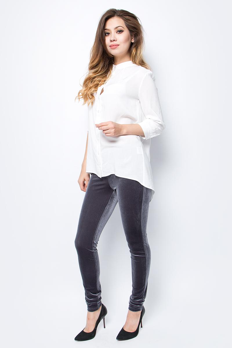 Брюки женские La Via Estelar, цвет: серый. 60570-3. Размер 4460570-3Стильные женские брюки La Via Estelar - брюки высочайшего качества, которые прекрасно сидят. Модель изготовлена из эластичного полиэстера с бархатной фактурой. Брюки на мягком эластичном поясе стандартной посадки. Эти модные и в тоже время комфортные брюки послужат отличным дополнением к вашему гардеробу. В них вы всегда будете чувствовать себя уютно и комфортно.