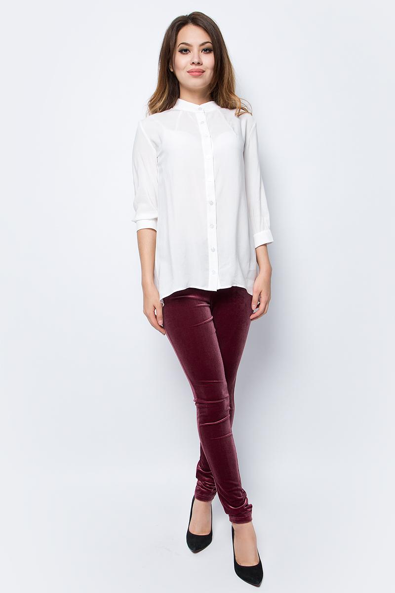 Брюки женские La Via Estelar, цвет: бордовый. 60570. Размер 4460570Стильные женские брюки La Via Estelar - брюки высочайшего качества, которые прекрасно сидят. Модель изготовлена из эластичного полиэстера с бархатной фактурой. Брюки на мягком эластичном поясе стандартной посадки. Эти модные и в тоже время комфортные брюки послужат отличным дополнением к вашему гардеробу. В них вы всегда будете чувствовать себя уютно и комфортно.