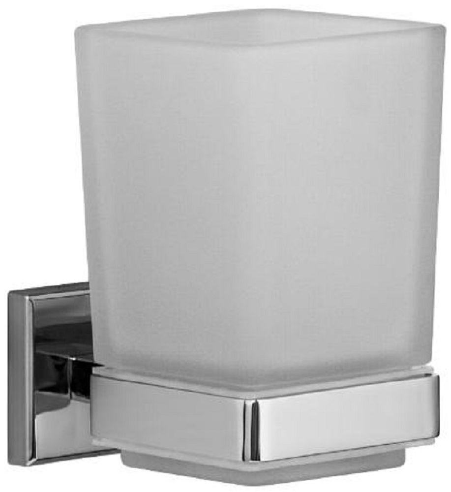 Стакан для зубных щеток Milardo LabradorНВ 05601000Держатель стакана для зубных щеток Labrador выполнен из прочного сплава металлов, имеет стойкое никель-хромовое покрытие, уплотнительная прокладка надежно фиксирует стакан в держателе. В комплекте удобный и надежный крепеж.