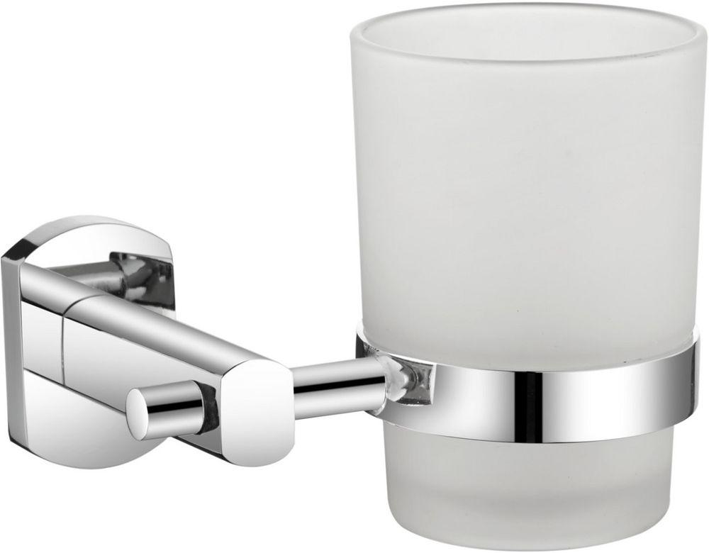 Стакан для зубных щеток Milardo NevaNEVSMG0M45Держатель стакана для зубных щеток Milardo Neva выполнен из прочного сплава металлов, имеет стойкое никель-хромовое покрытие, уплотнительная прокладка надежно фиксирует стакан в держателе. В комплекте удобный и надежный крепеж.