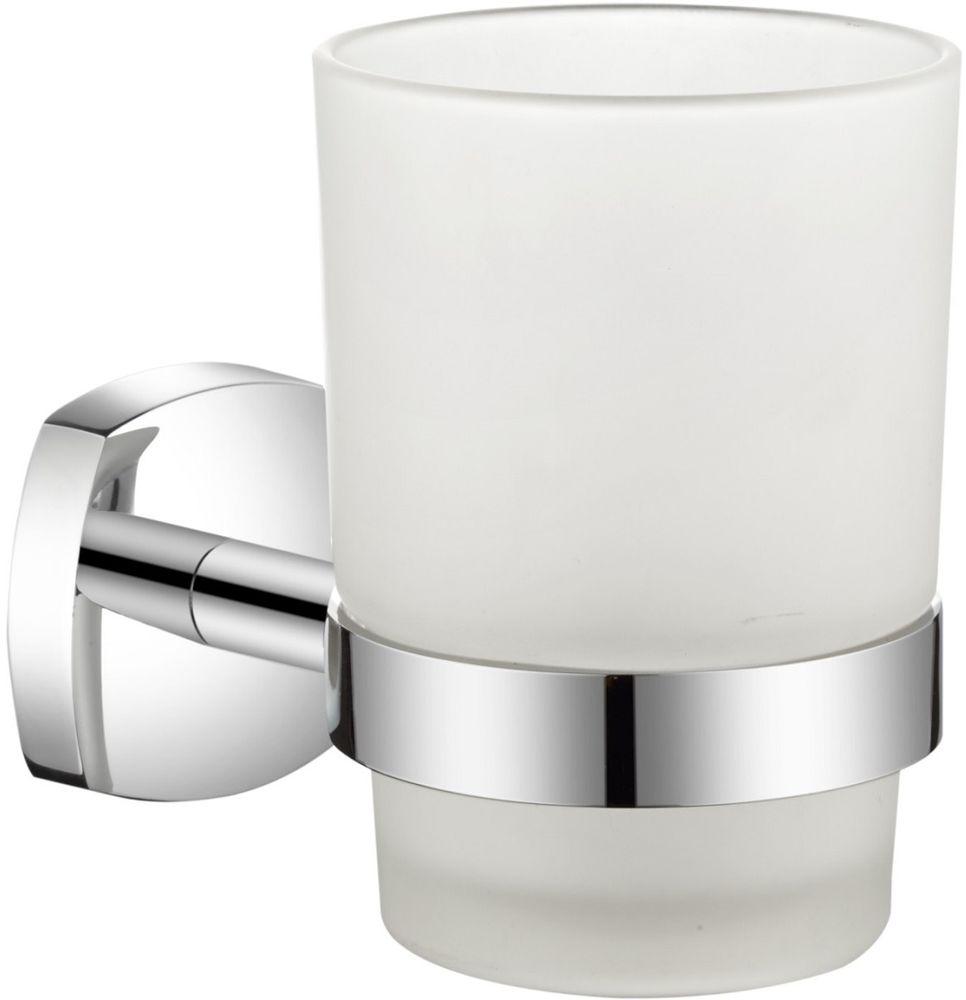 Стакан для зубных щеток Milardo VolgaVOLSMG0M45Держатель стакана для зубных щеток Volga выполнен из прочного сплава металлов, имеет стойкое никель-хромовое покрытие, уплотнительная прокладка надежно фиксирует стакан в держателе. В комплекте удобный и надежный крепеж.