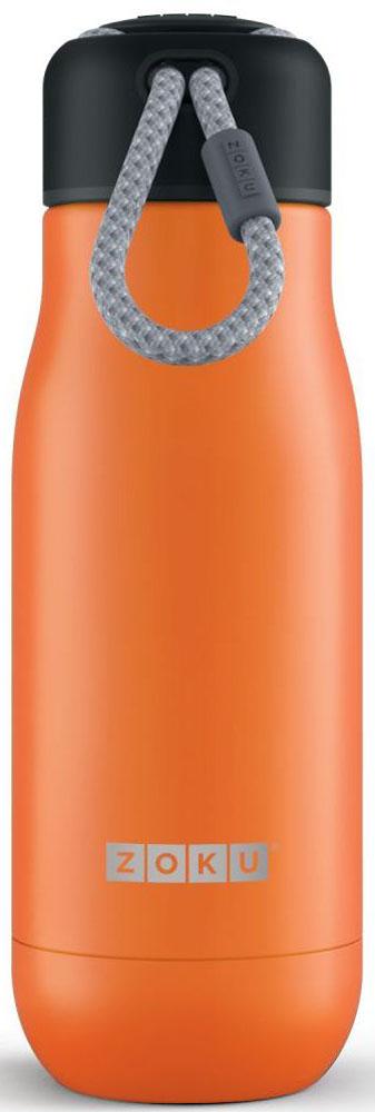 Термос Zoku Hydration, цвет: оранжевый, 350 млZK141-ORДвойные вакуумные стенкиВакуум и толстые стенки из нержавеющей стали поддерживают температуру горячих напитков до 10, а холодных – до 30 часов, поэтому любимыенапитки всегда будут доступны в течение дня. При этом бутылку можно спокойно держать в руках без риска обжечься. Гигиеничное горлышкоУзкое горлышко создано специально для питья, вам не потребуются дополнительные стаканы или емкости. Гладкая полированная поверхностьлегко очищается за считанные секунды и не накапливает на себе бактерии и грязь благодаря тому, что резьба для крышки спрятана внутри. Дажеесли вы находитесь на активном отдыхе или занимаетесь спортом, ваша бутылка всегда остается чистой и гигиеничной. Паракорд для переноскиШнур на крышке бутылки называется «паракордом» и позволяет вам брать её с собой, куда бы вы ни направлялись: держите её в руках, несите заремешок или же прикрепите к снаряжению. Шнур легко вынимается при необходимости, просто потяните защитную крышку вверх.Нержавеющая сталь Высокое качество нержавеющей стали 18/8 делает термобутылку особенно прочной: она устойчива к коррозии, не разрушается и не впитываетзапахи. Бутылка будет служить долго и не потребует замены деталей. Используемая сталь полностью пригодна для пищевых продуктов, несодержит фталатов и бисфенола-А.Открывается одним движениемЧтобы закрутить или открутить крышку, достаточно всего одного оборота, что очень удобно, если вы на ходу или за рулем. Крышка с силиконовойвставкой полностью герметична, поэтому бутылку можно смело убрать в рюкзак, чемодан или сумку, не боясь, что ее содержимое прольется.Стильный дизайн Привлекательный внешний вид, яркие цвета и качественные материалы делают эту термобутылку идеальным компаньоном для активных иследящих за своим здоровьем людей. Она подчеркнет ваш имидж и добавит ему ярких акцентов. Берите её с собой на прогулки, в спортзал и влюбое путешествие, не боясь, что ваши напитки его не выдержат.Объем термобутылки – 350 мл. Моется вруч