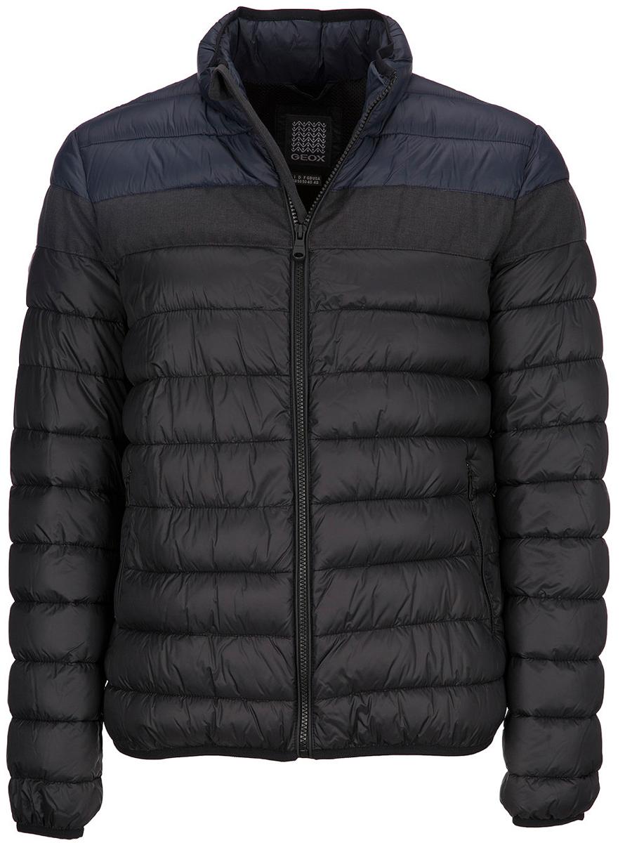 Куртка мужская Geox, цвет: черный. M7428JTC104F4381. Размер 56M7428JTC104F4381Стеганая мужская куртка Geox с наполнителем из легкой ткани - нейлоновой тафты плотностью 20ден в комбинации с меланжевым полиэстером. Воздухопроницаемость обеспечивается благодаря запатентованной системе Geox. Водоотталкивающая, ветрозащитная и пухонепроницаемая ткань подвергнута специальной обработке, препятствующей перемещению наполнителя. Наполнитель прямого введения с набивкой из синтетического полиэстера придает модели легкость и комфорт. Прямой силуэт. Куртка оформлена двумя врезными карманами на молниях.