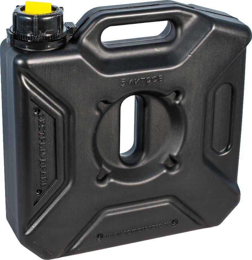 Канистра автомобильная Экстрим Драйв, цвет: черный, 5 лXD051BМногие утверждают, что данная тара имеет самую удобную форму на сегодняшний день. Экспедиционную канистру Экстрим можно закрепить где удобно, в ней присутствует множество ручек и отверстий для крепления в разных местах. Это может быть багажник, квадроцикл, мотоцикл, катер, джип, прицеп и т.д. В канистру плоскую Экстрим можно заливать любые виды жидкостей: вода, топливо, бензин, солярку, водка, пиво и многое другое. Принцип данной канистры в том чтобы удовлетворить потребности на отдыхе и в экстремальных условия. За счет плоской формы канистра Экстрим пригодится чтобы из нее сделать, например: столик или небольшую лавочку, ведь эта канистра выдерживает до 400 кг.