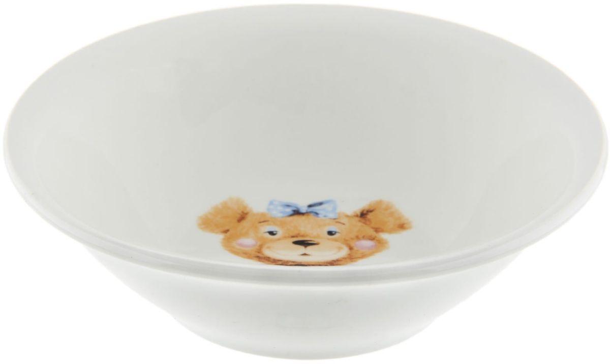 Кубаньфарфор Салатник Медвежата1301335Фаянсовая детская посуда с забавным рисунком понравится каждому малышу. Изделие из качественного материала станет правильным выбором для повседневной эксплуатации и поможет превратить каждый прием пищи в радостное приключение.Особенности:- простота мойки,- стойкость к запахам,- насыщенный цвет.
