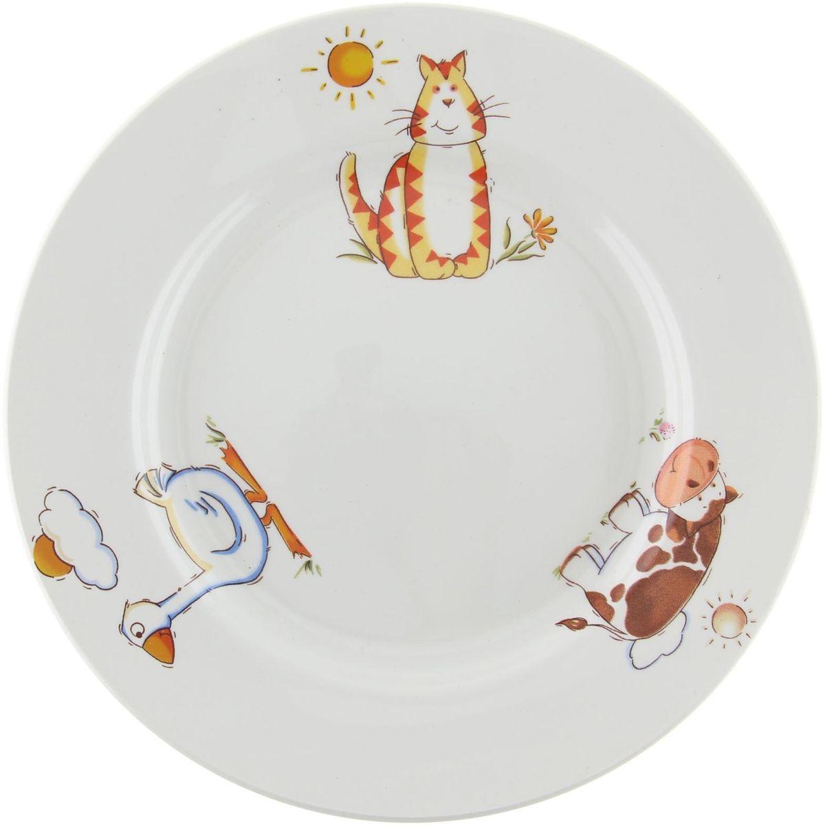 Кубаньфарфор Тарелка детская Зоопарк 13013751301375Фаянсовая детская посуда с забавным рисунком понравится каждому малышу. Изделие из качественного материала станет правильным выбором для повседневной эксплуатации и поможет превратить каждый прием пищи в радостное приключение. Особенности: - простота мойки, - стойкость к запахам, - насыщенный цвет.