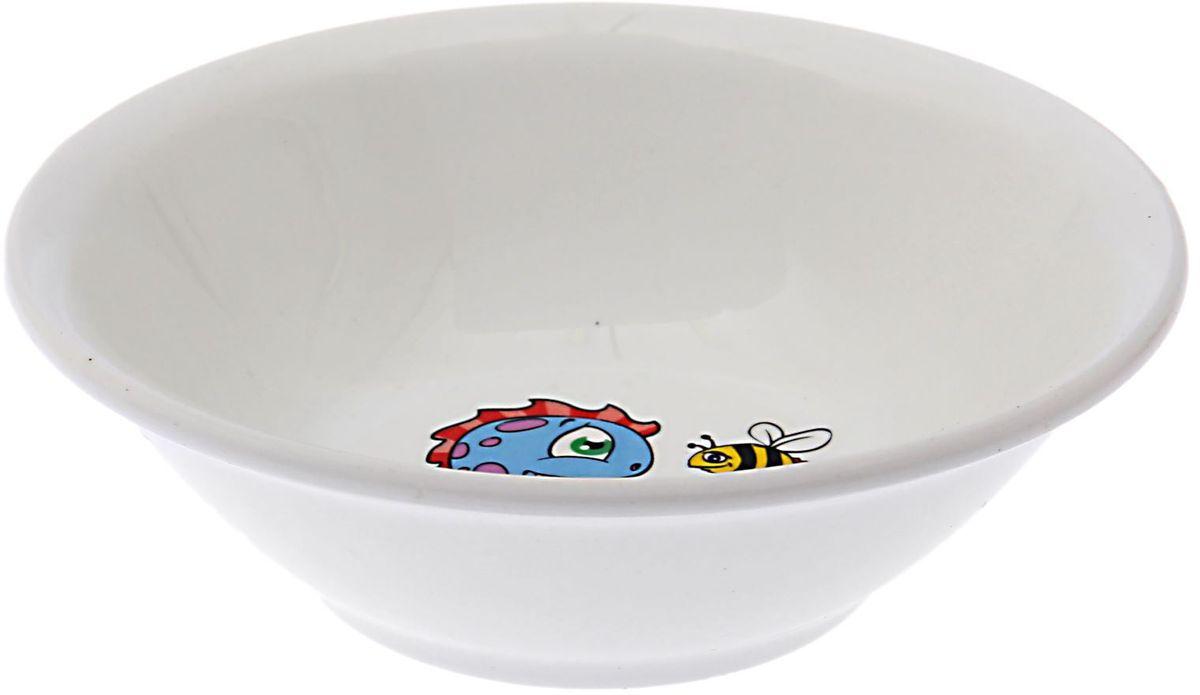 Кубаньфарфор Салатник Динозаврики1495037Фаянсовая детская посуда с забавным рисунком понравится каждому малышу. Изделие из качественного материала станет правильным выбором для повседневной эксплуатации и поможет превратить каждый прием пищи в радостное приключение.Особенности:- простота мойки,- стойкость к запахам,- насыщенный цвет.