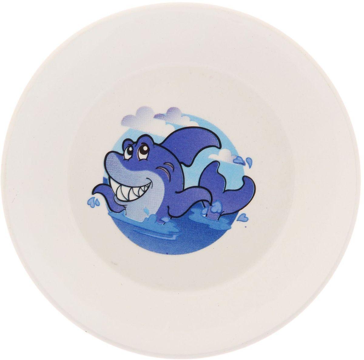Кубаньфарфор Блюдце Морской мир2220069Фаянсовая детская посуда с забавным рисунком Морской мир понравится каждому малышу. Изделие из качественного материала станет правильным выбором для повседневной эксплуатации и поможет превратить каждый прием пищи в радостное приключение.