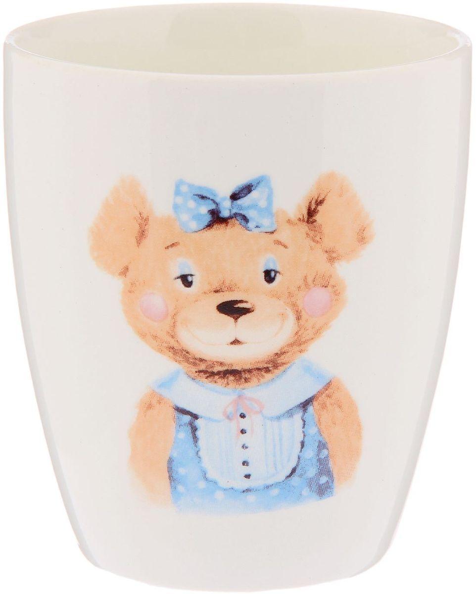 Кубаньфарфор Кружка детская Медвежата 260 мл26571-1Фаянсовая детская кружка с забавным рисунком понравится каждому малышу. Изделие из качественного материала станет правильным выбором для повседневной эксплуатации и поможет превратить каждый прием пищи в радостное приключение. Особенности: - простота мойки, - стойкость к запахам, - насыщенный цвет.