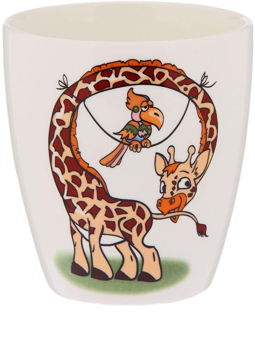 Кубаньфарфор Кружка детская Жираф 220 мл2220107Фаянсовая детская кружка с забавным рисунком понравится каждому малышу. Изделие из качественного материала станет правильным выбором для повседневной эксплуатации и поможет превратить каждый прием пищи в радостное приключение. Особенности: - простота мойки, - стойкость к запахам, - насыщенный цвет.