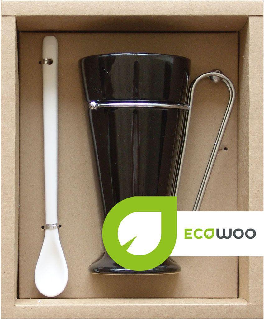 Набор для кофе EcoWoo, 2 предмета. 2012227U2012227UНабор EcoWoo - это не только идеальный подарок, но и прекрасный повод побаловать себя!Состав набора: кружка 350 мл и ложка 18,5 см.Материал: фарфор, нержавеющая сталь.Упаковка: ПВХ-коробка в крафт-основе.Цвет: черный.Набор прекрасен для всевозможных напитков: кофе, свежевыжатого сока, чая.Классический цвет и форма идеально впишется в любой интерьер кухни, но особенно оценят любители современного стиля.