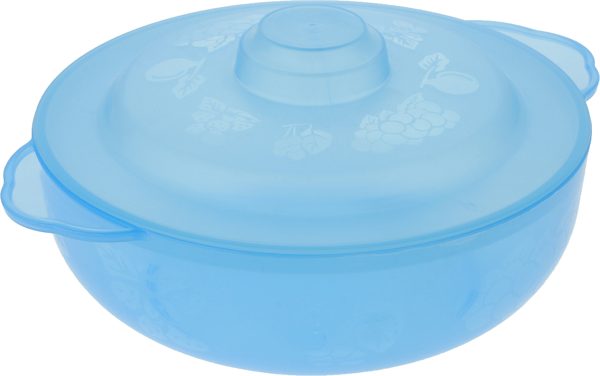 Чаша Альтернатива Хозяюшка, с крышкой, цвет: голубой, 2,5 лM576_голубойВместительная чаша круглой формы Хозяюшка изготовлена из высококачественного пищевого пластика. Изделие, оснащенное крышкой, очень функциональное, оно пригодится на кухне для самых разнообразных нужд: в качестве салатника, миски, тарелки. По периметру миска украшена узором. Диаметр миски: 22 см. Высота миски (без учета крышки): 7,5 см.