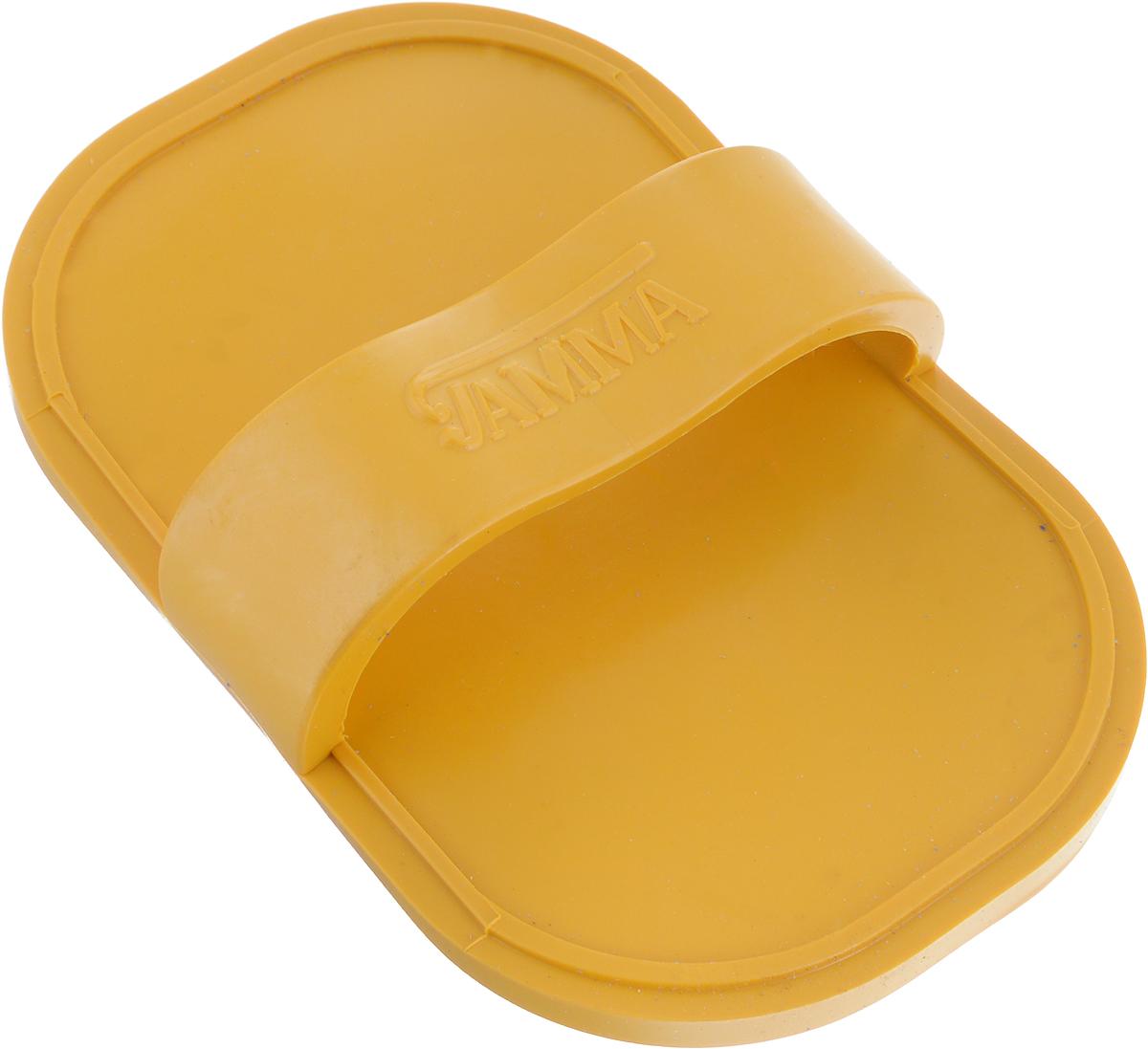 Щетка для животных Гамма, большая, цвет: желтый, 17 х 10,5 х 4,5 смЩг-15500_желтыйМассажная щетка для животных Гамма выполнена из качественного безопасного материала, не травмирующего кожу животного. Щётку удобно держать на руке с помощью специальной лямке.Компактный размер позволяет брать щетку с собой в дорогу. Размер щетки: 17 х 10,5 х 4,5 см.Длина зубчиков: 6 мм.
