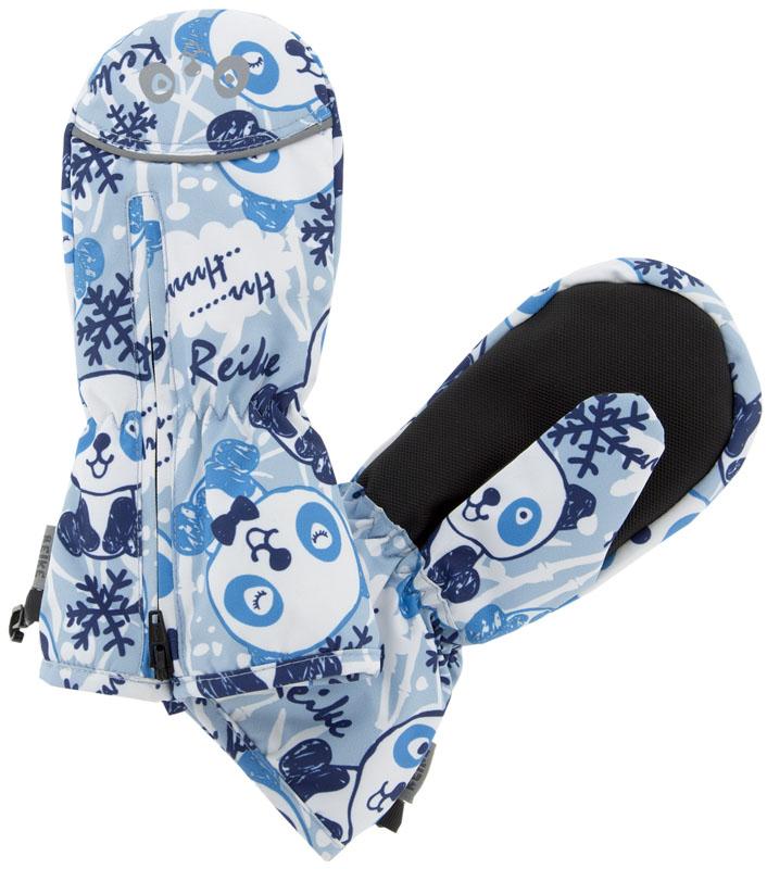 Варежки для мальчика Reike Панда, цвет: синий. RW18_PND1 blue. Размер 2RW18_PND1 blueВарежки Reike Панда выполнены из ветрозащитной, водонепроницаемой и дышащей мембранной ткани, декорированной принтом в стиле коллекции Панда. Мягкая подкладка из флиса обеспечивает дополнительный комфорт и тепло. Запястья оформлены резинкой, ладони дополнительно усилены. Тыльная сторона варежек оформлена светоотражающими деталями и молнией для облегчения надевания.