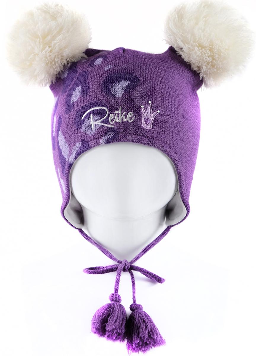 Шапка для девочки Reike Забавный горностай, цвет: фиолетовый. RKN1718-3_FE purple. Размер 48RKN1718-3_FE purpleШапка на завязках с кисточками Reike Забавный горностай изготовлена из высококачественного материала на основе шерсти и акрила. Модель с хлопковой подкладкой дополнительно утеплена на ушках. Шапочка с двумя объемными помпонами украшена логотипом Reike и вышивкой со стразами в стиле коллекции. Уважаемые клиенты!Размер, доступный для заказа, является обхватом головы.