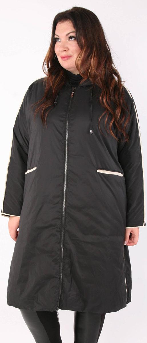 Пальто женское Viarichi, цвет: черный. K5049. Размер 46/48K5049Полуспортивное пальто свободного силуэта Viarichi выполнено из полиэстера с утеплителем из биопуха застегивается на металлическую застежку-молнию. Подкладка также изготовлена из качественного полиэстера. Модель с капюшоном дополнена отделкой белой полосой по боковым швам, центру рукавов, краю пояса и воротника.