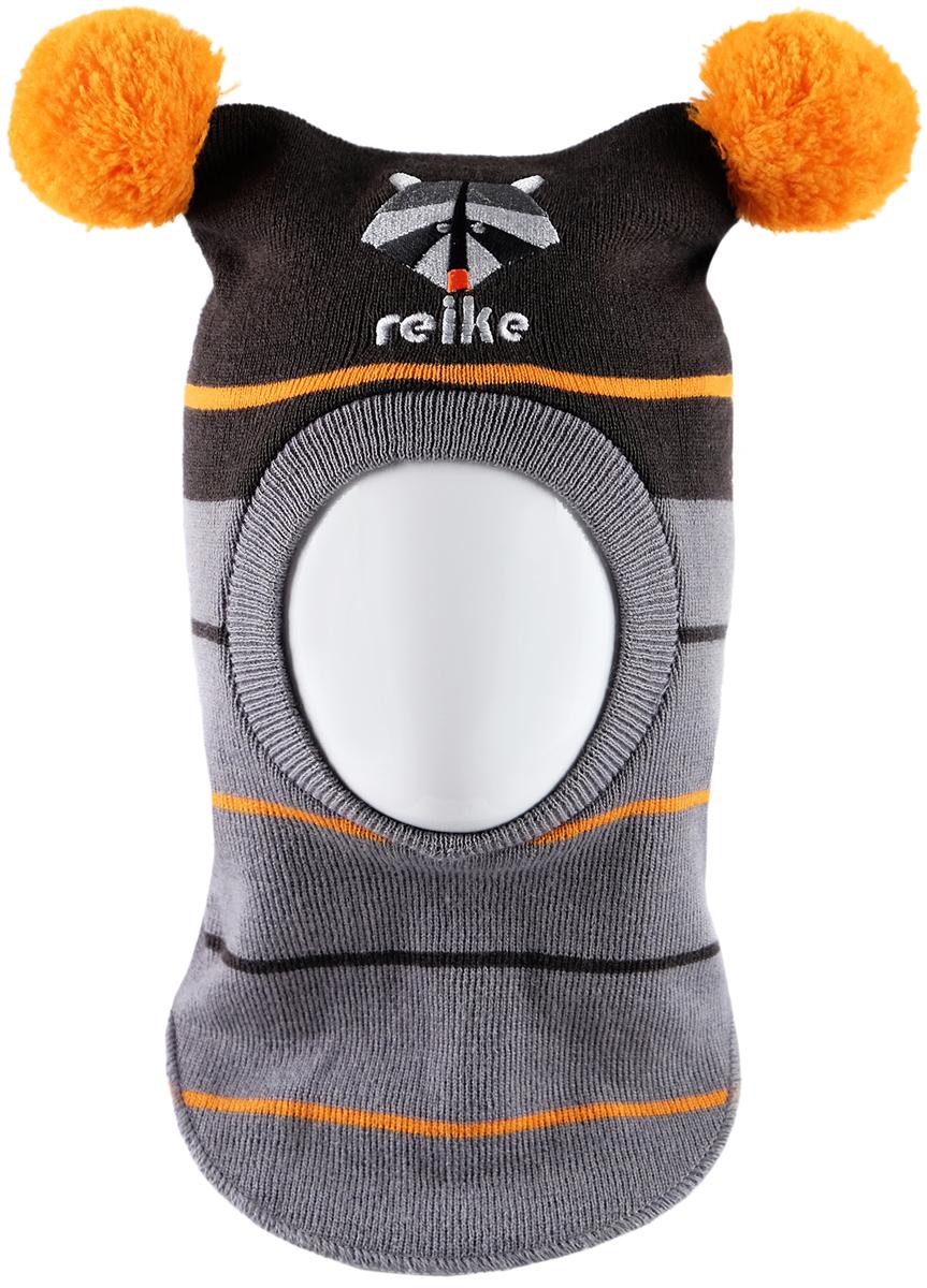 Шапка-шлем для мальчика Reike Енот, цвет: черный. RKN1718-2_RCN black. Размер 50RKN1718-2_RCN blackШапка-шлем Reike Енот изготовлена из высококачественного материала на основе шерсти и акрила. Модель с хлопковой подкладкой дополнительно утеплена на ушках. Шлем с двумя помпонами декорирован вышивкой с изображением енота и логотипа Reike. Шапка-шлем идеальна для ношения в зимние холода, так как надежно защищает шею и уши ребенка от холодного ветра. Уважаемые клиенты!Размер, доступный для заказа, является обхватом головы.