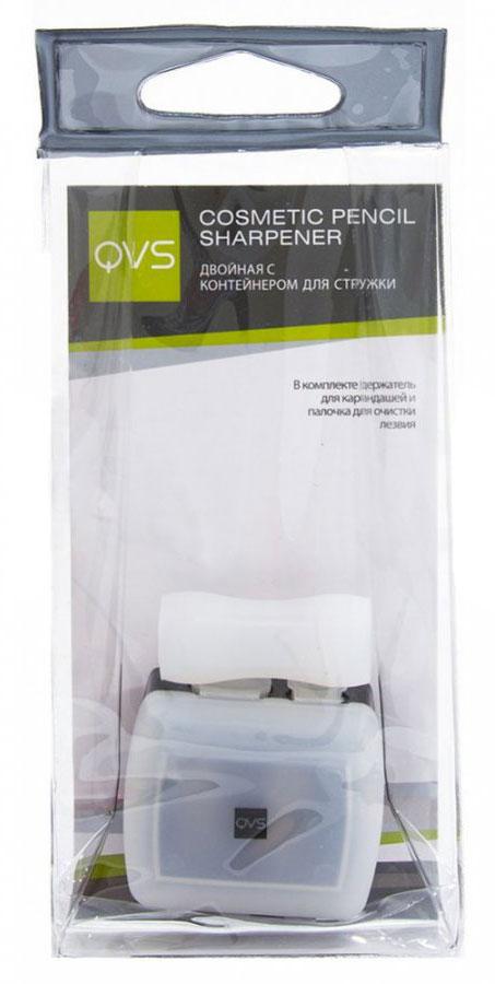 QVS Точилка для косметических карандашей 2-х размеров с контейнером для стружки и держателем карандашей10-1130Точилка для косметических карандашей, двойная. С контейнером для стружки. Подходит для большинства косметических карандашей.Правильно подобранные высококачественные аксессуары играют важную роль при нанесении макияжа: они существенно облегчают и позволяют максимально контролировать каждый этап нанесения косметических средств для создания безупречного образа.Точилка для косметических карандашей является незаменимым аксессуаром, который должен быть в каждой косметичке. Она создана для заточки большинства косметических карандашей благодаря наличию двух отверстий разного диаметра. Лезвия точилки изготовлены из высококачественной углеродистой стали, что позволяет мягко и ровно заострять кончик карандаша, не ломая его.