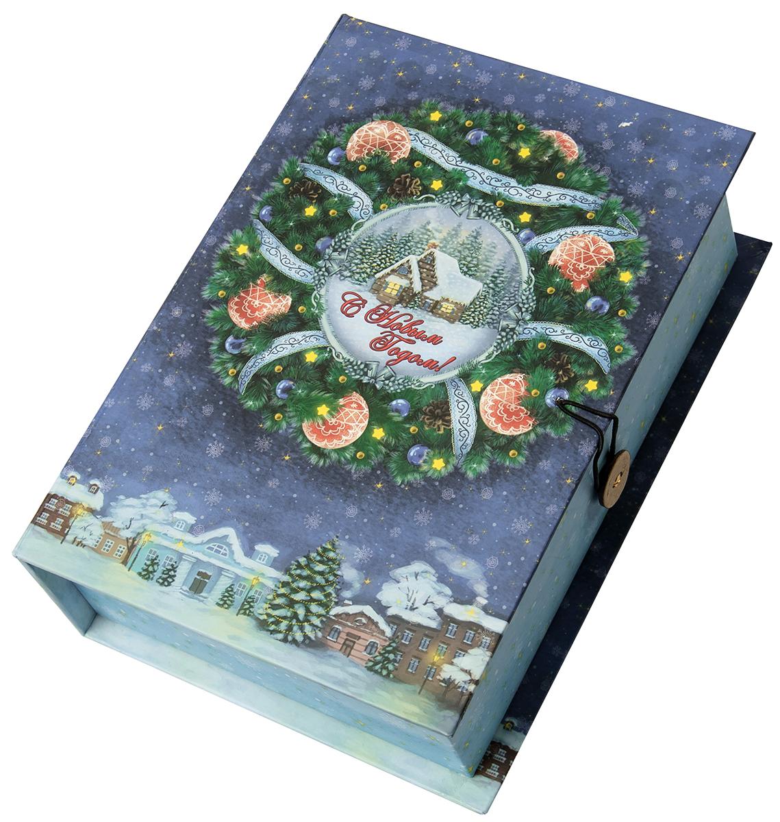 Коробка подарочная Magic Time Новогодний венок, размер S. 7504475044Подарочная коробка Magic Time, выполненная из мелованного, ламинированного картона, закрывается на пуговицу. Крышка оформлена декоративным рисунком. Подарочная коробка - это наилучшее решение, если вы хотите порадовать ваших близких и создать праздничное настроение, ведь подарок, преподнесенный в оригинальной упаковке, всегда будет самым эффектным и запоминающимся. Окружите близких людей вниманием и заботой, вручив презент в нарядном, праздничном оформлении.Плотность картона: 1100 г/м2.