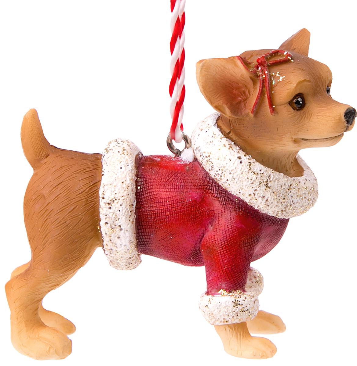 Украшение новогоднее подвесное Magic Time Чихуахуа в красной шубке. 7513175131Оригинальное новогоднее украшение Magic Time выполнено из полирезины в виде чихуахуав в шубке. С помощью специальной петельки украшение можно повесить в любом понравившемся вам месте. Но, конечно же, удачнее всего такая игрушка будет смотреться на праздничной елке. Новогодние украшения приносят в дом волшебство и ощущение праздника. Создайте в своем доме атмосферу веселья и радости, украшая всей семьей новогоднюю елку нарядными игрушками, которые будут из года в год накапливать теплоту воспоминаний.