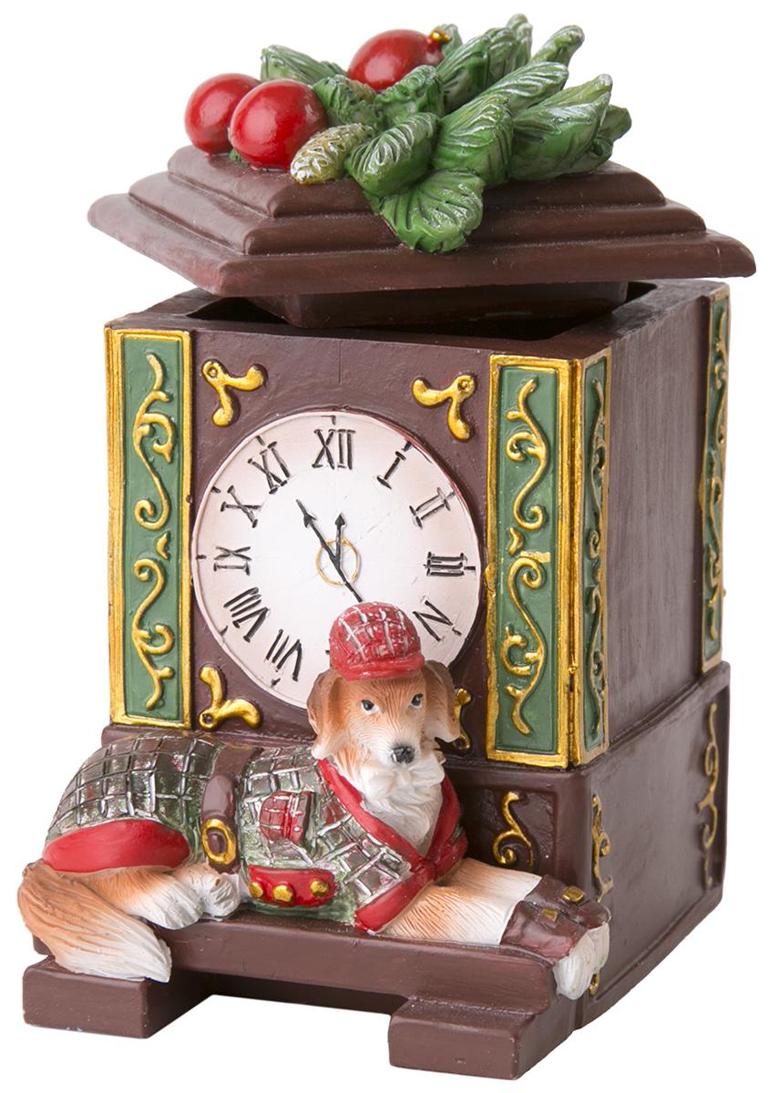 Шкатулка декоративная Magic Time Собака и часы. 7554275542Оригинальная шкатулка Magic Time Собака и часы, изготовленная из полирезина, не оставит равнодушным ни одного любителя оригинальных вещей.Изделие украшено блестками, на крышке расположена фигурка петушка.Шкатулка Magic Time Собака и часы станет отличным подарком вашим друзьям и близким.