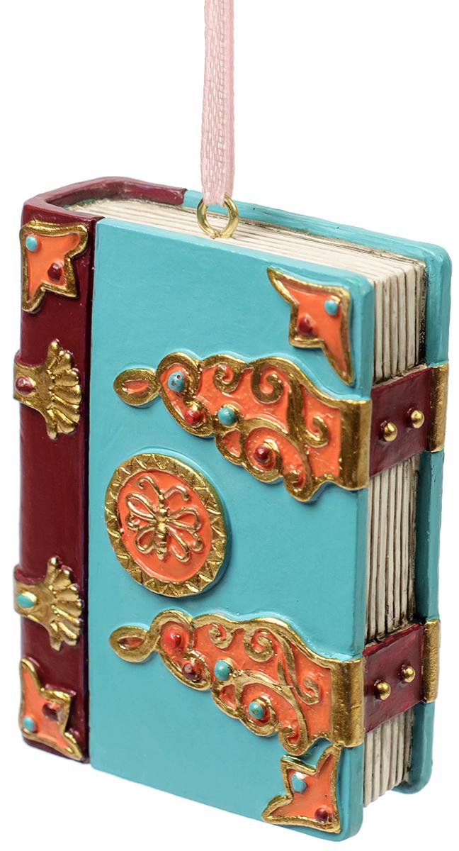 Украшение новогоднее подвесное Magic Time Волшебная книга. 7556175561Новогоднее подвесное украшение из полирезины ВОЛШЕБНАЯ КНИГА, 5x2x7 см, артикул 75561