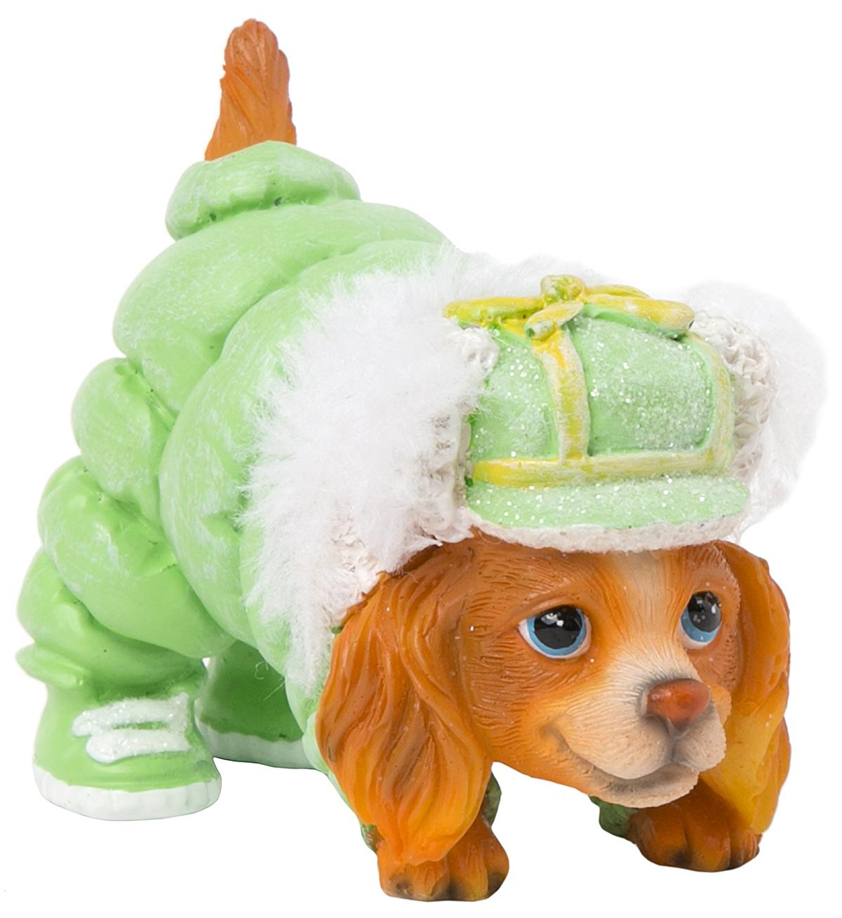 Фигурка декоративная Magic Time Собачка в зеленом комбинезоне. 7557375573Фигурка декоративная Magic Time, выполненная из полирезины, станет оригинальным подарком для всех любителей необычных вещей. Она выполнена в виде собаки. Изысканный сувенир станет прекрасным дополнением к интерьеру. Вы можете поставить фигурку в любом месте, где она будет удачно смотреться и радовать глаз.