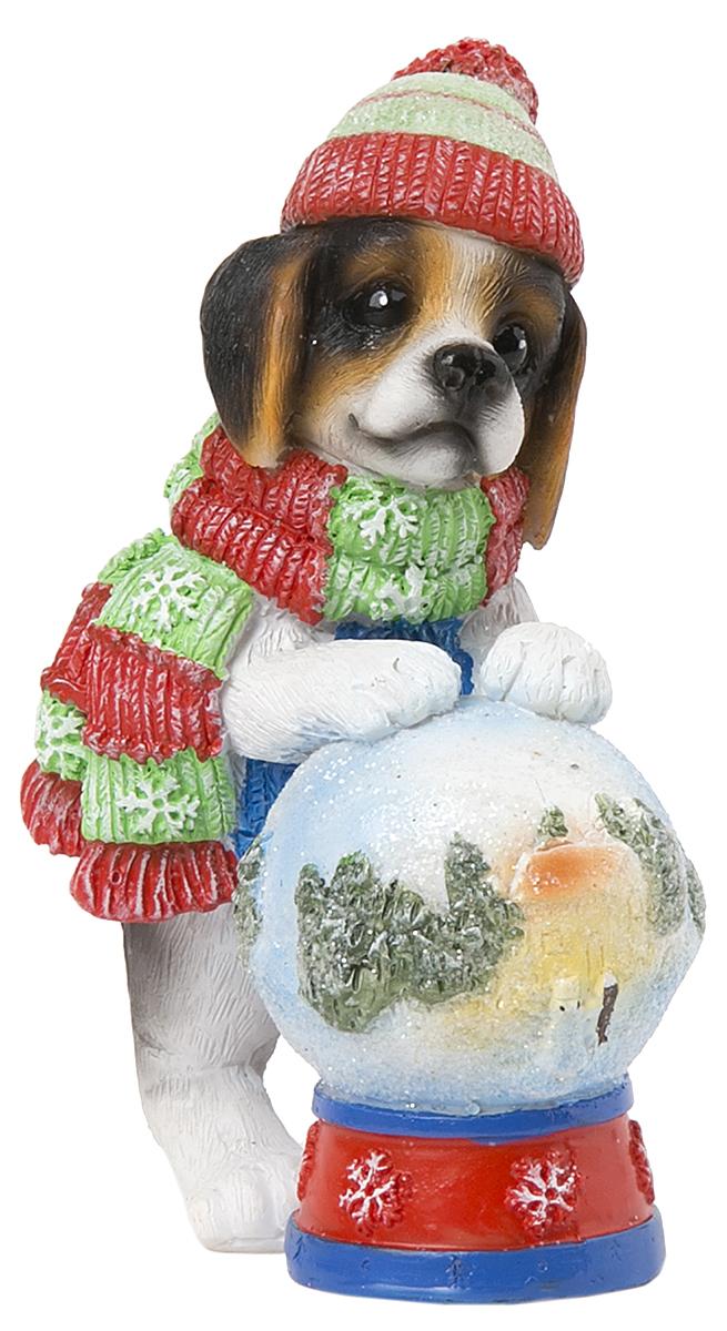 Фигурка декоративная Magic Time Собака с волшебным шаром. 7558775587Фигурка декоративная Magic Time, выполненная из полирезины, станет оригинальным подарком для всех любителей необычных вещей. Она выполнена в виде собаки с шаром. Изысканный сувенир станет прекрасным дополнением к интерьеру. Вы можете поставить фигурку в любом месте, где она будет удачно смотреться и радовать глаз.
