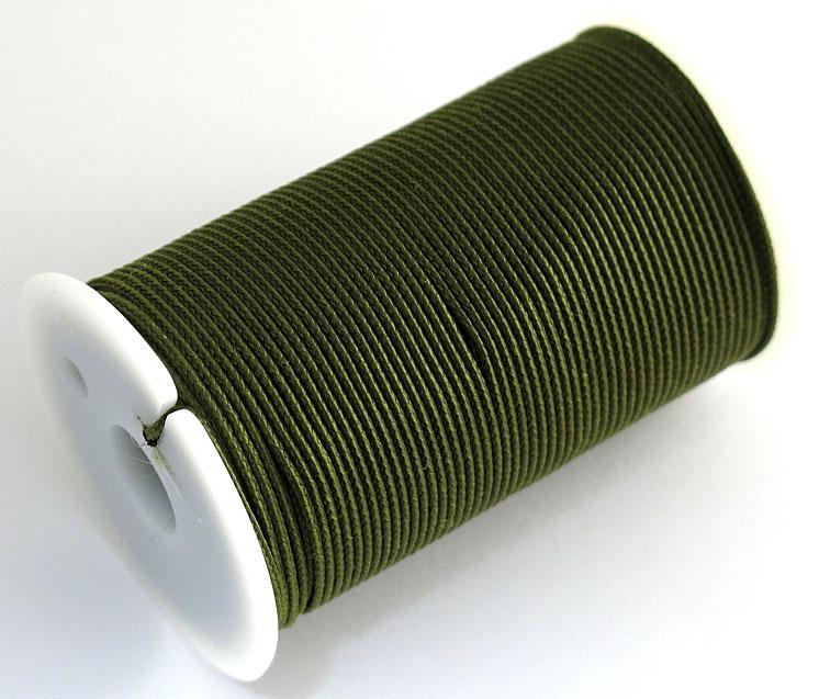Шнур полиамидный Solaris S6301, на катушке, цвет: хаки, 1,2 мм х 70 мS6301khПрочный многоцелевой плетёный шнур из полиамида, выдерживает нагрузку на разрыв 30 кг. Для удобства использования шнур намотан на катушку, на торце катушки есть прорезь для фиксации свободного конца шнура.Диаметр шнура 1,2 мм, длина 70 метров.Свойства и конструкция полиамидного шнура: Стойкость к солнечному излучению (ультрафиолет), влаге, истиранию, воздействию насекомых. Не подвержен гниению и плесени. Диапазон рабочих температур от -60 до +120 °С.Шнур диаметром 1,2 мм состоит из восьми плотно сплетённых прядей. Благодаря такой надёжной конструкции шнур не расплетается при повреждении одной или даже нескольких прядей.Сферы применения полиамидного шнура:- Туризм, рыбалка, охота: Ремонт орудий лова, палаток, тентов, туристического снаряжения. Применяется для оснастки лодок, развешивания рыбы для сушки. Изготовление силков, снегоступов и т.п.- Дачное и домашнее хозяйство, для офиса:Подвязывание рассады, разметка участка. В качестве бельевого шнура, для крепления штор, картин и т.п. Упаковка коробок, вещей. Прошивка документов.