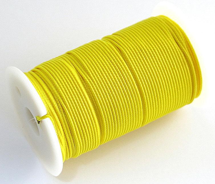 Шнур полиамидный Solaris S6301, на катушке, цвет: желтый, 1,2 мм х 70 мS6301yПрочный многоцелевой плетёный шнур из полиамида, выдерживает нагрузку на разрыв 30 кг. Для удобства использования шнур намотан на катушку, на торце катушки есть прорезь для фиксации свободного конца шнура.Диаметр шнура 1,2 мм, длина 70 метров.Свойства и конструкция полиамидного шнура: Стойкость к солнечному излучению (ультрафиолет), влаге, истиранию, воздействию насекомых. Не подвержен гниению и плесени. Диапазон рабочих температур от -60 до +120 °С.Шнур диаметром 1,2 мм состоит из восьми плотно сплетённых прядей. Благодаря такой надёжной конструкции шнур не расплетается при повреждении одной или даже нескольких прядей.Сферы применения полиамидного шнура:- Туризм, рыбалка, охота: Ремонт орудий лова, палаток, тентов, туристического снаряжения. Применяется для оснастки лодок, развешивания рыбы для сушки. Изготовление силков, снегоступов и т.п.- Дачное и домашнее хозяйство, для офиса:Подвязывание рассады, разметка участка. В качестве бельевого шнура, для крепления штор, картин и т.п. Упаковка коробок, вещей. Прошивка документов.
