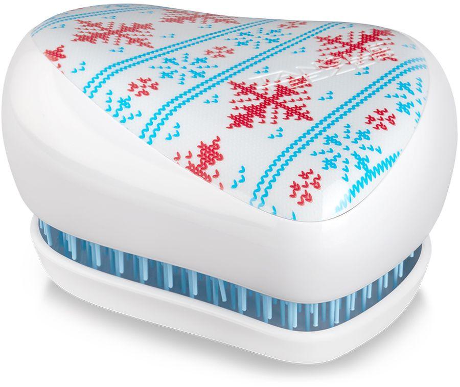 Tangle Teezer Расческа Compact Styler Winter Frost2103Расчёска Tangle Teezer Compact Styler Winter Frost украшена принтом в виде узора свитера. Благодаря компактной форме эта расчёска поместится в любую сумочку, а плотно прилегающая крышка защитит расчёску от пыли и повреждений. Эргономичная форма позволяет легко расчёсывать как сухие, так и влажные волосы. Благодаря уникальному строению зубчиков, расчёска мягко скользит по волосам, не повреждая и не травмируя их. После использования расчёски волосы приобретают здоровый вид и блеск, становясь гладкими и шелковистыми.