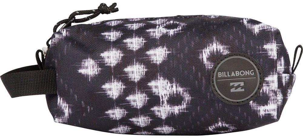 Пенал Billabong Free Mind, цвет: черный, молочный, белый. F9PE01F9PE01Небольшая вместительная сумка, готовая стать как пеналом для карандашей, так и функциональной дамской косметичкой.