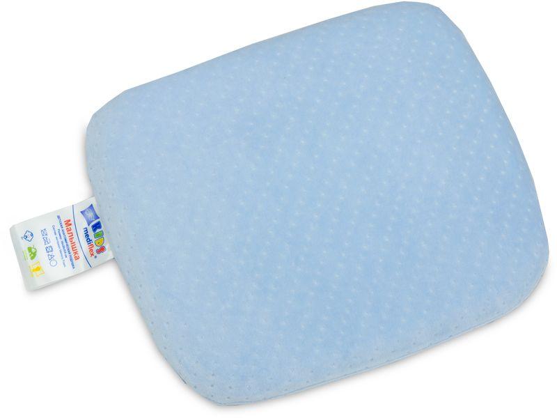 Подушка детская Revery Малышка, цвет: голубой, 30 х 30 смPO.MALISHПодушка для детей от 6 месяцев. Подушка способствует правильному развитию костей шейного отдела и снимает мышечные спазмы. Подушка также предназначена для профилактики деформации черепа.