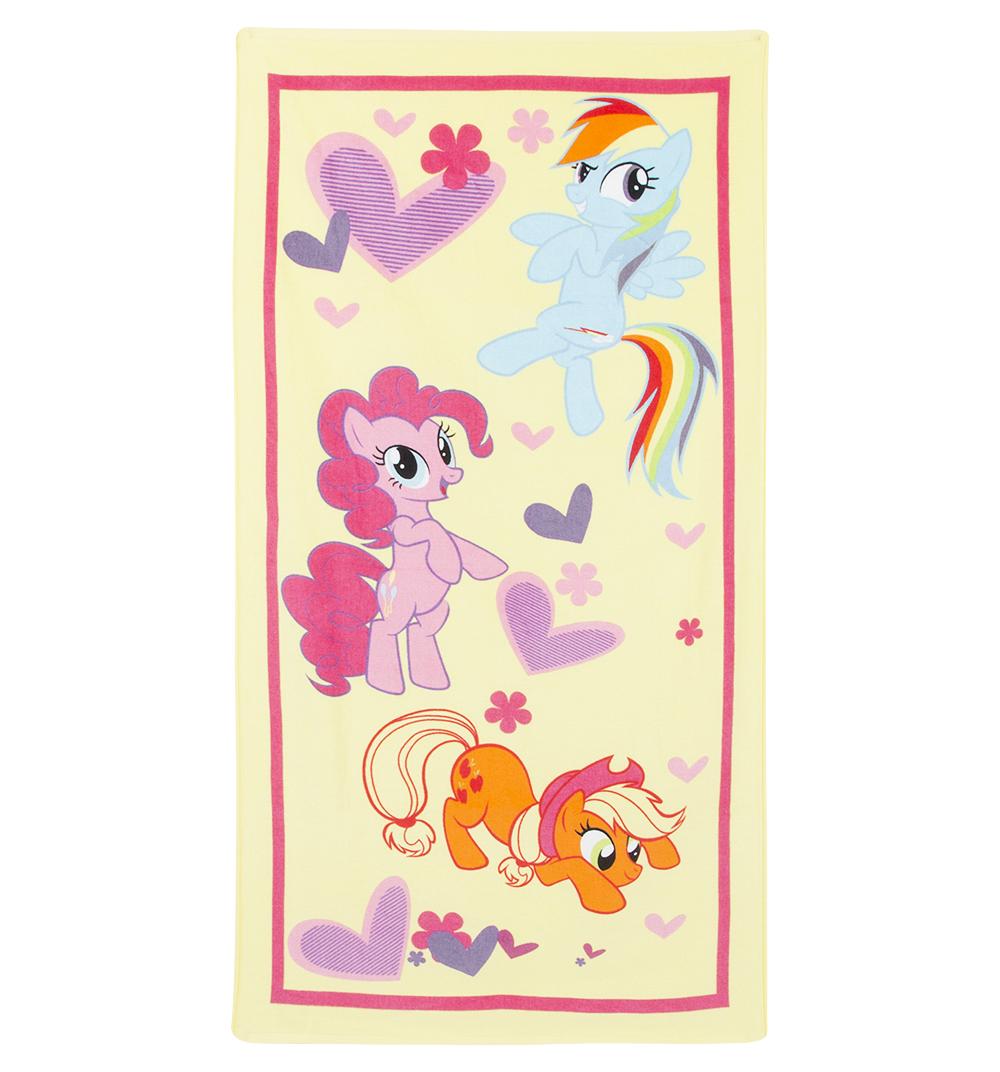 Bravo Полотенце детское Пони цвет желтый 60 x 120 см84493Мягкое хлопковое полотенце Bravo Пони подарит вам и вашей дочурке мягкость и необыкновенный комфорт в использовании. Полотенце украшено изображением обаятельных пони из мультфильма My Little Pony. Красочное изображение любимого героя и невероятная мягкость полотенца обязательно приведут в восторг вашего ребенка и превратят любое купание в веселую и увлекательную игру. Ткань не вызывает аллергических реакций, обладает высокой гигроскопичностью и воздухопроницаемостью. Полотенце великолепно впитывает влагу и не теряет своих свойств после многократной стирки. Порадуйте себя и своего ребенка таким замечательным подарком! Режим стирки: при 40°С.