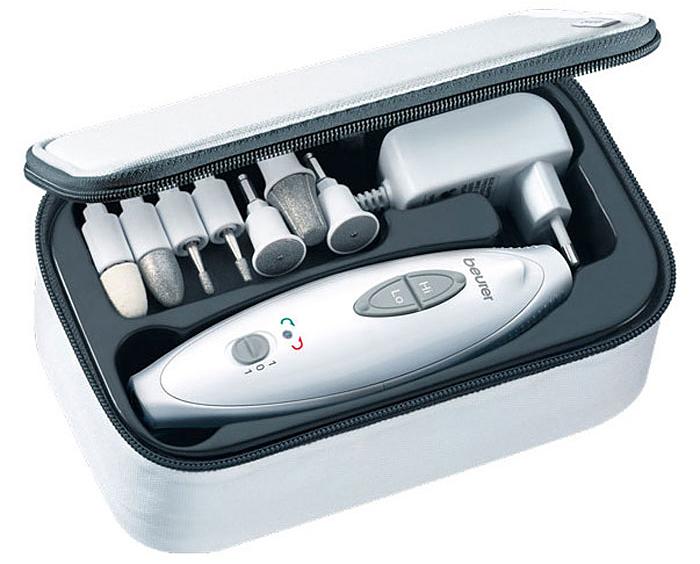 Набор для маникюра и педикюра Beurer MP411092036Маникюрно-педикюрный набор Beurer MP41 - идеальное решение для тех, кто не любит пользоваться услугами салонов по уходу за ногтями, аделает это самостоятельно и к тому же профессионально. Набор включает в себя 7 сменных разнофункциональных насадок с сапфировым покрытием, что обеспечивает их прочность и долговечность.Оснащен яркой светлодиодной лампой. В нем предусмотрено две скорости вращения насадок, а также возможность правого и левого вращения,пошаговая регулировка вращения. Имеется специальный футляр для хранения. Насадки: Сапфировый конус Войлочный конус Сапфировый диск, мелкозернистый Сапфировый диск, крупнозернистый Бор в форме пламени Цилиндрический бор Функции насадок: Фетровый конус: сглаживание и полирование края ногтя после опиливания, а также чистка поверхности ногтя Сапфировый диск крупнозернистый и мелкозернистый: опиливание и обработка ногтей Сапфировая шлифовальная насадка: быстрое удаление толстого слоя ороговевшей кожи или крупных мозолей Факелообразная фреза: для удаления вросших ногтей Цилиндрическая фреза: удаление одревесневших частей и предварительное сглаживание ногтей пальцев ног Конусная фреза: удаление сухой и ороговевшей или крупных мозолей с подошв ног и пяток, обработка ногтей.Частота вращения: 3.800-4.600 об./мин.Как ухаживать за ногтями: советы эксперта. Статья OZON Гид
